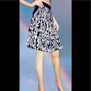 STELLA & JAMIE • Winter Flare Skirt/ size (S)